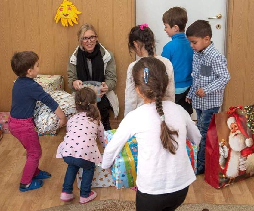 Cadouri pentru copiii din Sânpetru